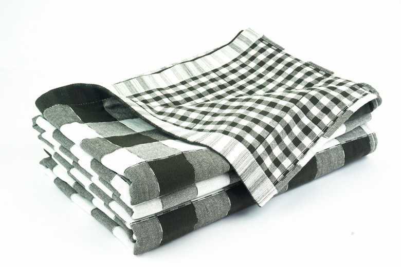 Gray / White Square Design Quilted Throw Blanket